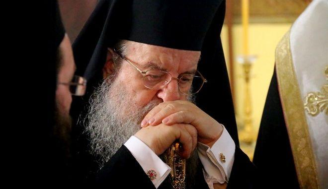 ΝΑΥΠΛΙΟ-Εκδηλώσεις για την Προσωπικότητα του Ιωάννη Καποδίστρια. Η Ιερά Σύνοδος της Εκκλησίας της Ελλάδας υπό την αιγίδα του Υπουργείου Εξωτερικών διοργάνωσε Τριήμερες Εκδηλώσεις για την Προσωπικότητα του Ιωάννη Καποδίστρια στην Αθήνα και το Ναύπλιο από την Παρασκευή 30 Μαΐου έως και την Κυριακή 1 Ιουνίου 2014. Την Κυριακή στο Ναύπλιο έγινε Αρχιερατική Θεία Λειτουργία στον Ιερό Ναό του Αγίου Γεωργίου προεξάρχοντος του Σεβασμιωτάτου Μητροπολίτου Καρυστίας και Σκύρου κ. Σεραφείμ. Ο Εκπρόσωπος της Διαρκούς Ιεράς Συνόδου Σεβασμιώτατος Μητροπολίτης Θεσσαλονίκης κ. Άνθιμος, εκφώνησε την κατατακτήριο ομιλία των Εκδηλώσεων και στη συνέχεια ακολούθησε  Οδοιπορικό μνήμης των συμμετεχόντων από την οδό Βασιλέως Κωνσταντίνου προς τον Ιερό Ναό του Αγίου Σπυρίδωνος (φωτογραφία το σημείο δολοφονίας), όπου πραγματοποιήθηκε επιμνημόσυνος δέησις υπέρ αναπαύσεως της ψυχής του Ιωάννη Καποδίστρια. Παρόντες ο Μητροπολίτης Αργολίδας Νεκτάριος, ο υφυπουργός πολιτισμού και αθλητισμού Γιάννης Ανδριανός , ο Δήμαρχος Ναυπλιέων Δημήτρης Κωστούρος// ΣΤΗ ΦΩΤΟΓΡΑΦΙΑ Ο ΜΗΤΡΟΠΟΛΙΤΗΣ ΘΕΣΣΑΛΟΝΙΚΗΣ  ΑΝΘΙΜΟΣ.(eurokinissi Βασίλης Παπαδόπουλος)