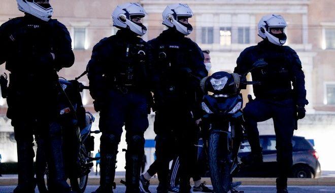 Αστυνομικές δυνάμεις στο Σύνταγμα