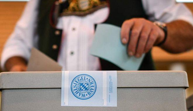 """Εκλογές στη Βαυαρία: """"Οι ευρωσκεπτικιστές τρίτη δύναμη πανευρωπαϊκά"""""""