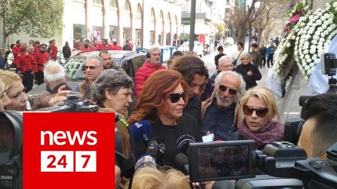Μιμή Ντενίση στην κηδεία του ηθοποιού Κώστα Βουτσά στην Αθήνα την Παρασκευή 28 Φεβρουαρίου 2020