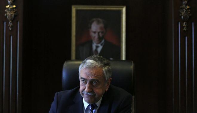 Πρώτα στρατηγική συμφωνία και μετά διαπραγματεύσεις, λέει ο Ακιντζί