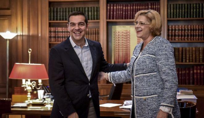 Συνάντηση του πρωθυπουργού, Αλέξη Τσίπρα με την Επίτροπο Κορίνα Κρέτσου, αρμόδια για θέματα Περιφερειακής Πολιτικής της ΕΕ