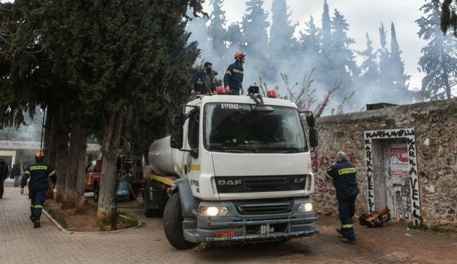 Φωτιά σε κτίριο στο άλσος Καισαριανής