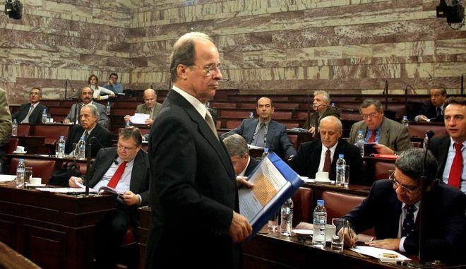 Ο Αντώνης Φούσας, από στιγμιότυπο συνεδρίασης της Βουλής, για αναθεώρηση του συντάγματος, το 2007. Η συζήτησε αφορούσε το άρθρο 24, για τις δασικές εκτάσεις(ΤΑΤΙΑΝΑ ΜΠΟΛΑΡΗ/ EUROKINISSI)