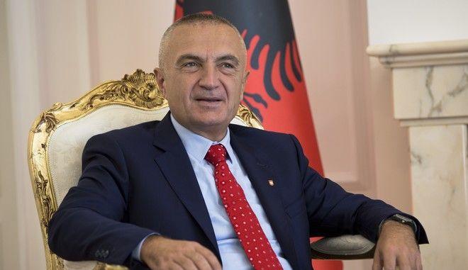 Ο πρόεδρος της Αλβανίας Ιλίρ Μέτα σε επίσκεψή του στο Κόσοβο τον Οκτώβριο του 2017