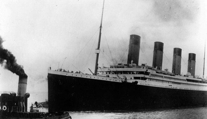 Ο Τιτανικός σαλπάρει από το Σαουθάμπτον της Αγγλίας τον Απρίλιο του 1912 για το πρώτο και μοιραίο ταξίδι του