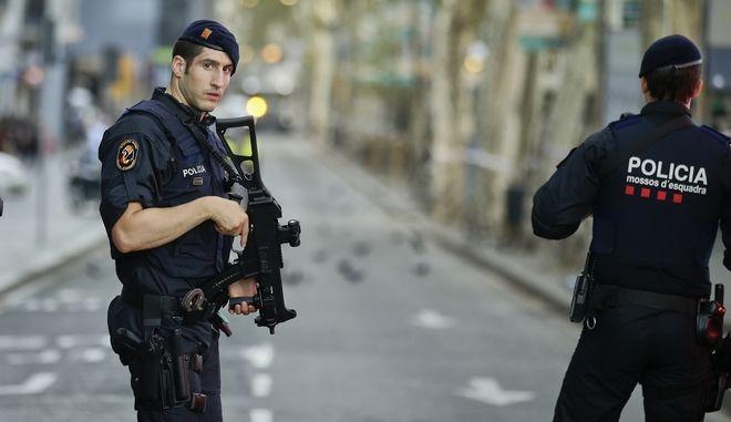 Πάνοπλοι αστυνομικοί στη Βαρκελώνη, Φωτογραφία Αρχείου