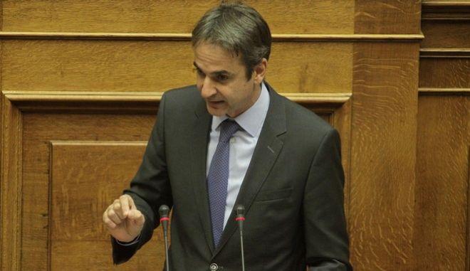 Συζήτηση στην Ολομέλεια της Βουλής του νομοσχεδίου με τα προαπαιτούμενα την Πέμπτη 5 Νοεμβρίου 2015. (EUROKINISSI/ΓΙΩΡΓΟΣ ΚΟΝΤΑΡΙΝΗΣ)