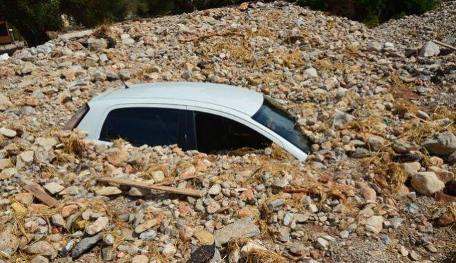 """""""Ιανός"""": Ένα χωριό στην Κεφαλονιά θάφτηκε κάτω από τις πέτρες"""