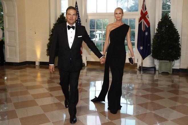 Ο Lachlan Murdoch με τη σύζυγο του, Sarah Murdoch σε κάλεσμα του Donald Trump, το Σεπτέμβριο του 2019.