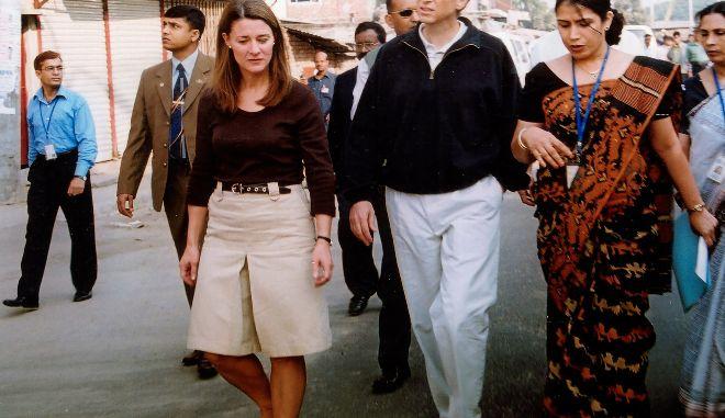 """Μπιλ Γκέιτς: Το """"τρίτο πρόσωπο"""" - η γυναίκα που πήγαινε κάθε χρόνο διακοπές μαζί του"""