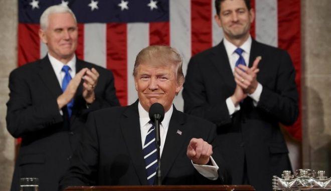 Τραμπ: Σύντομα το τείχος στα σύνορα με το Μεξικό