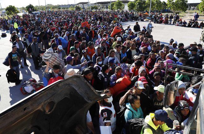 Άλλοι 3000 και πλέον μετανάστες κατευθύνθηκαν στις 15 Νοεμβρίου με λεωφορεία προς την Τιχουάνα