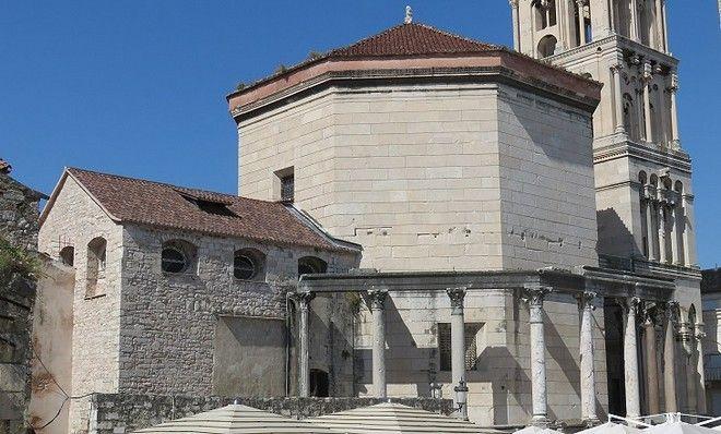 Ταξίδι στον Ασπάλαθο: Η κροατική πόλη Σπλιτ με την πλούσια ιστορία και την πολύβουη τουριστική ζωή