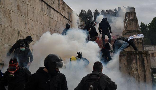 Ένταση στο συλλαλητήριο ενάντια στη συμφωνία των Πρεσπών