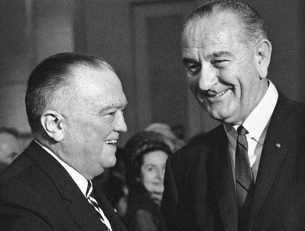 Ο Τζέι Έντγκαρ Χούβερ και ο πρόεδρος των ΗΠΑ, Λίντον Τζόνσον (10/3/1967).