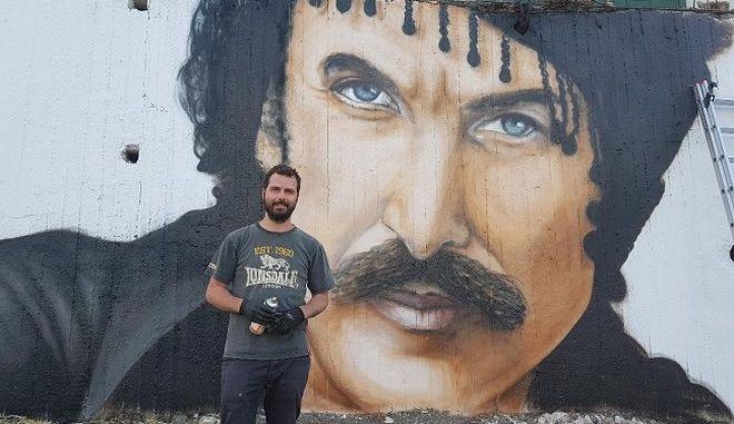 Κρήτη: Το μοναδικό γκράφιτι με την μορφή του Ξυλούρη στα Ανώγεια