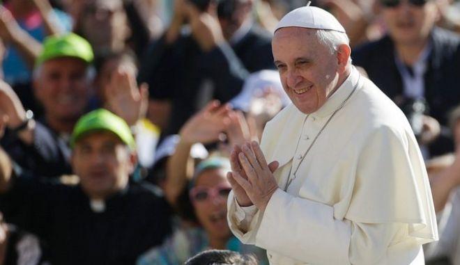 Οι 10+1 ατάκες του Πάπα Φραγκίσκου που πρέπει να θυμάσαι