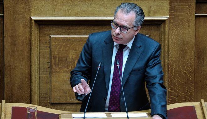 Ο Γιώργος Κουμουτσάκος κατά τη δεύτερη ημέρα της συζήτησης επί των Προγραμματικών Δηλώσεων της Κυβερνήσεως στην Ολομέλεια της Βουλής