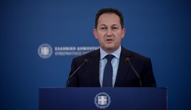 Ενημέρωση των πολιτικών συντακτών από τον κυβερνητικό εκπρόσωπο Στέλιο Πέτσα (EUROKINISSI/ΒΑΣΙΛΗΣ ΡΕΜΠΑΠΗΣ)