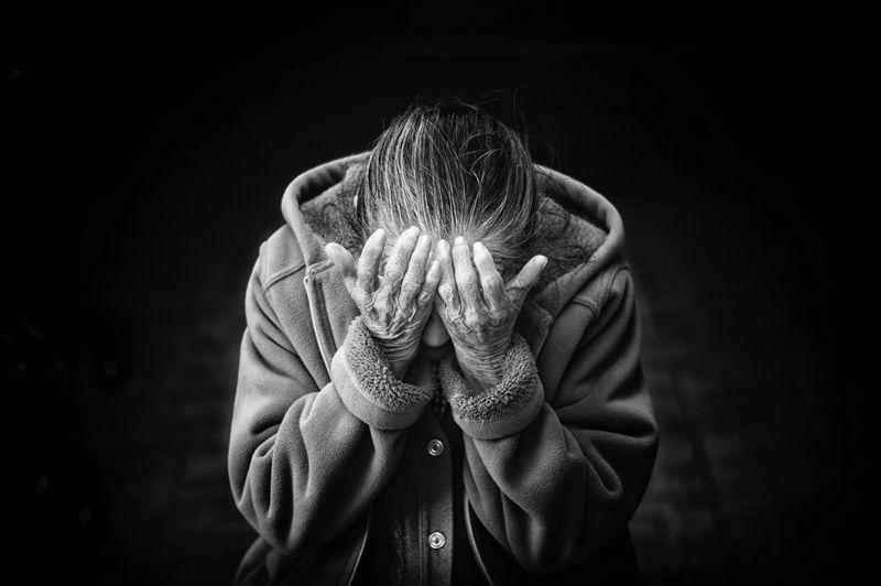 Το Αλτσχάιμερ είναι ταμπού. Μήπως δε θα έπρεπε;