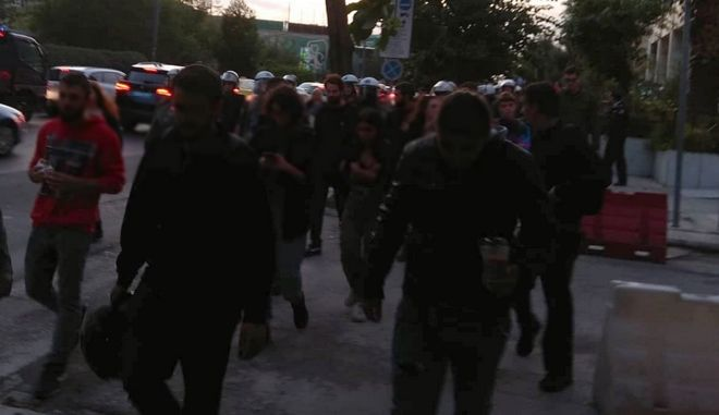 Ντοκουμέντο News 24/7: Αναίτια επίθεση των ΜΑΤ σε φοιτητές στη ΓΑΔΑ