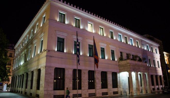 Νυχτερινά στιγμιότυπα του παλιού Δημαρχείου στην οδό Αθηνάς (EUROKINISSI / ΒΑΣΙΛΗΣ ΡΟΥΓΓΟΣ)