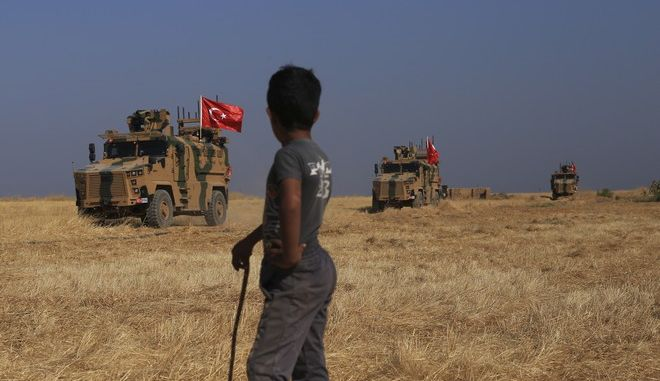 """Τουρκικά στρατιωτικά οχήματα στη """"ζώνη ασφαλείας"""" επί συριακού εδάφους"""