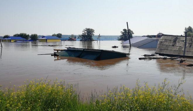 Ρωσία: 18 νεκροί και 17 αγνοούμενοι από τις πλημμύρες στο Ιρκούτσκ