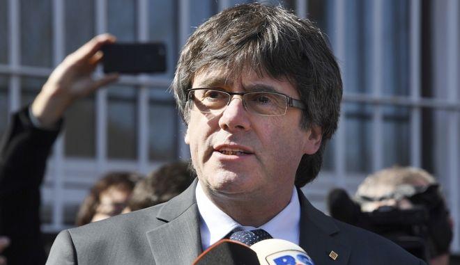 Ο πρώην πρόεδρος της Καταλονίας Κάρλες Πουτζδεμόν