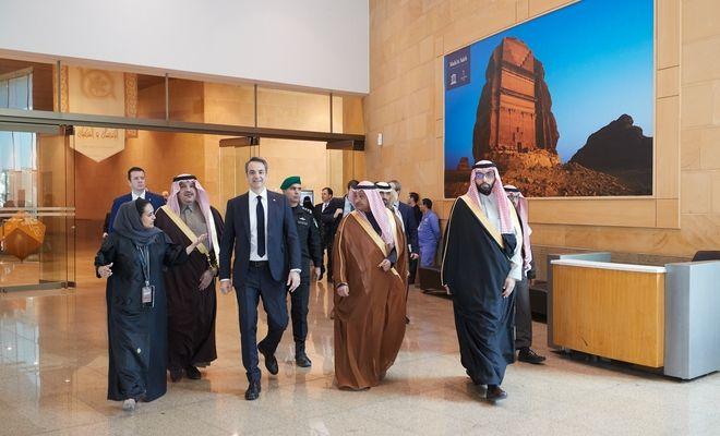 Στιγμιότυπο από την επίσκεψη του Πρωθυπουργού Κυριάκου Μητσοτάκη στην Σαουδική Αραβία