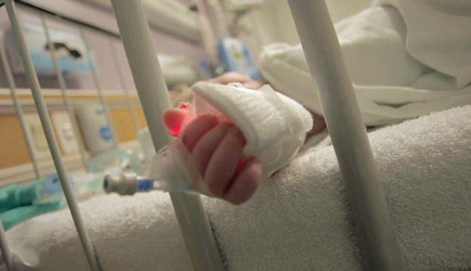 Ηλεία: Ανακάτεψαν την κρέμα με τσίπουρο - Στο νοσοκομείο το μωρό
