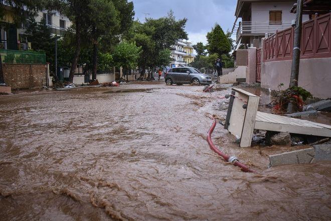 Καταστροφές στην Μάνδρα Αττικής από τις πλημμύρες τον Ιούνιο 2018