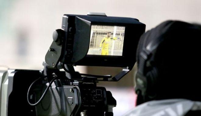 "Super League 1: Αυτά δίνει η NOVA στις πέντε ""άστεγες"" ομάδες"