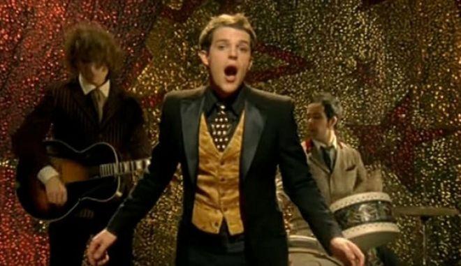 Να γιατί μέχρι σήμερα τραγουδούσαμε όλοι λάθος το Mr. Brightside των Killers