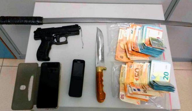 Λάρισα: Εξιχνιάστηκε ληστεία σε τράπεζα - Τέσσερις συλλήψεις