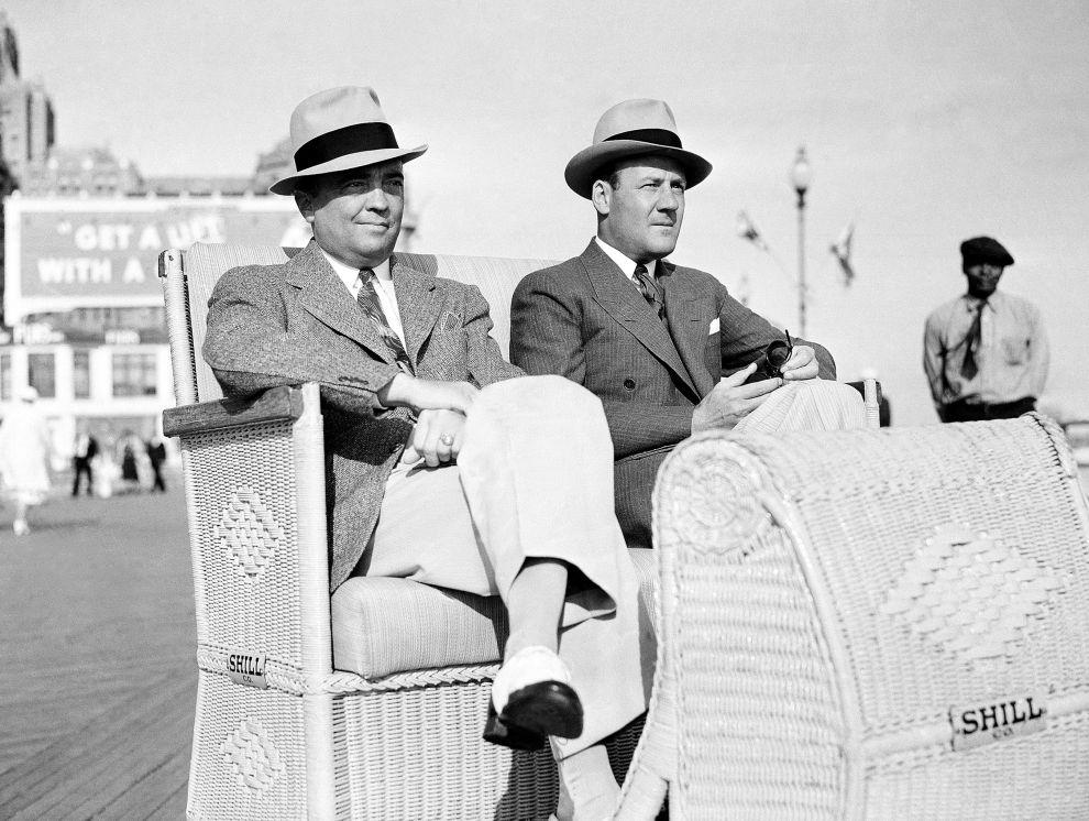 Ο Χούβερ και ο βοηθός και συνεργάτης του, Κλάιντ Τόλσον το 1938 στο Ατλάντικ Σίτι.
