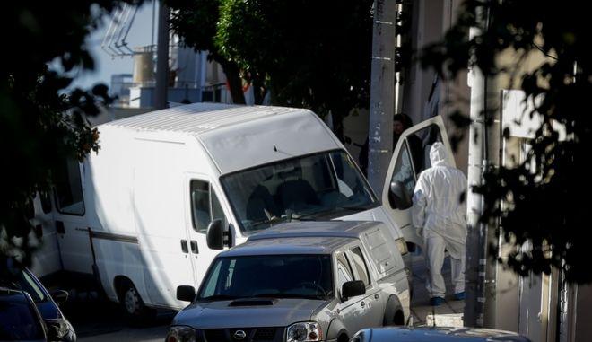 Επιχείρηση της αστυνομίας για την εξουδετέρωση εκρηκτικού μηχανισμού που βρέθηκε έξω από το σπίτι του αντιεισαγγελέα του Αρείου Πάγου, Ι. Ντογιάκου