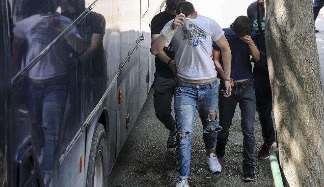 Δίκη στο Αυτόφωρο Μονομελές Πλημμελειοδικείο Θεσσαλονίκης για τους τρεις συλληφθέντες για την επίθεση στον δήμαρχο Γιάννη Μπουτάρη.
