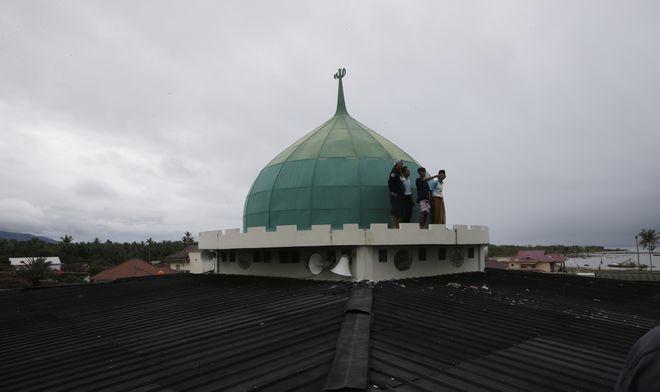 Οι ειδικοί προειδοποιούν για τον κίνδυνο νέων φονικών κυμάτων λόγω της ηφαιστειακής δραστηριότητας