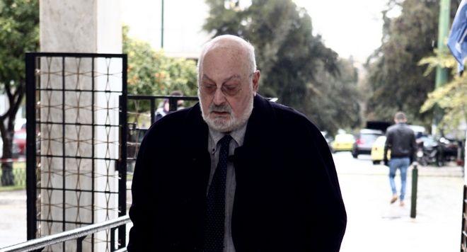 O Κώστας Γεωργουσόπουλος στην πολιτική κηδεία του Θάνου Μικρούτσικου