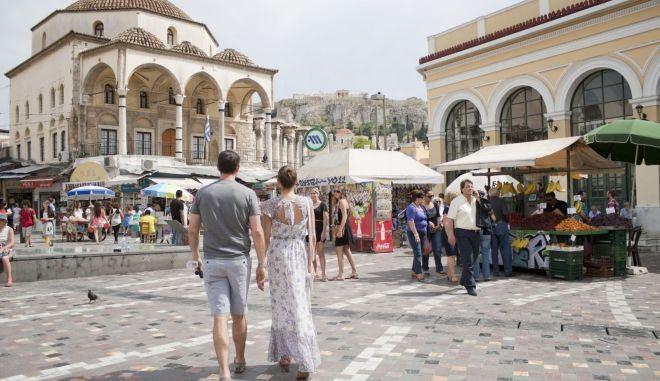Αποκαλυπτική έρευνα της ΤτΕ: Τα έσοδα από τον τουρισμό δεν περνούν στα ασφαλιστικά ταμεία