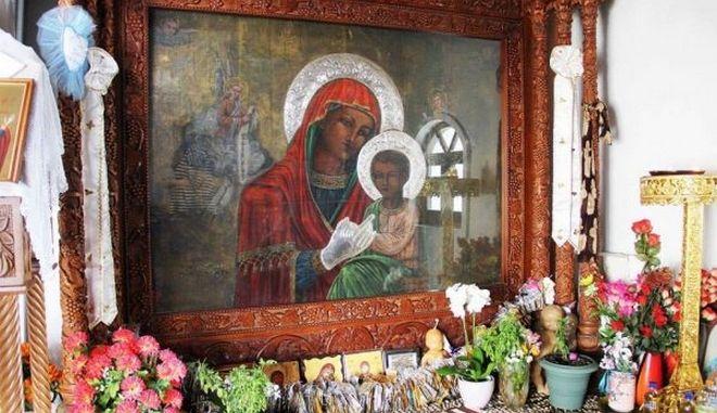 Παραλία Τσαμπίκα: Η «σαχάρα» της Ρόδου και το μοναστήρι της Παναγίας με τη θρυλική θαυματουργή εικόνα (Photos, Video)