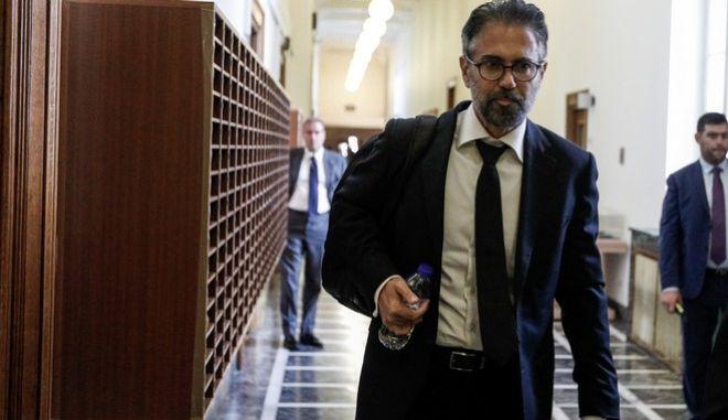 Συνέχιση της εξέτασης του Κωνσταντίνου Φρουζή στην Ειδική Κοινοβουλευτική Επιτροπή προς διενέργεια Προκαταρκτικής Εξέτασης σχετικά με τη διερεύνηση αδικημάτων που τυχόν έχουν τελεσθεί από τον πρώην Αναπληρωτή Υπουργό Δικαιοσύνης Δημήτριο Παπαγγελόπουλο κατά την άσκηση των καθηκόντων του
