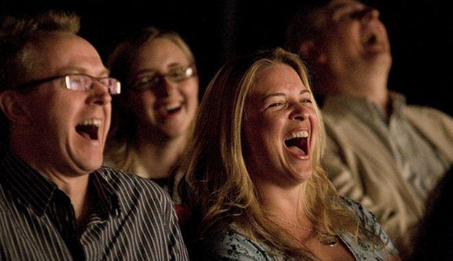 Μηχανή του Χρόνου: Δεν φαντάζεσαι από ποια ελληνική λέξη προέρχεται το χιούμορ
