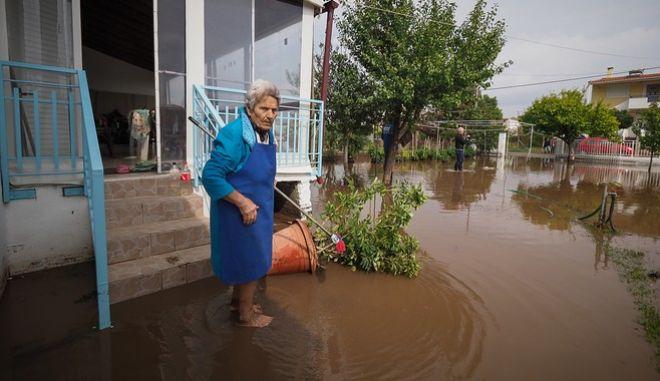 Πολλά πλημμυρισμένα σπίτια στη Βόρεια Εύβοια