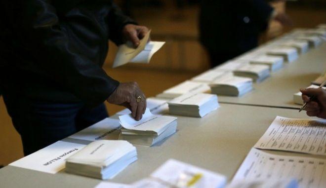 Γαλλικές εκλογές: Γιατί ενδέχεται να μην έχουμε άμεσα ξεκάθαρο αποτέλεσμα;