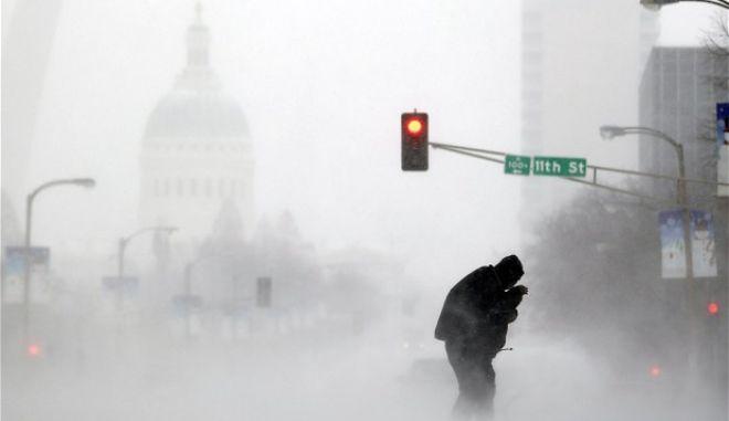 """""""Πολική δίνη"""" πάγωσε τις ΗΠΑ. Χαμηλότερες θερμοκρασίες από τον Αρκτικό Κόλπο του Καναδά"""