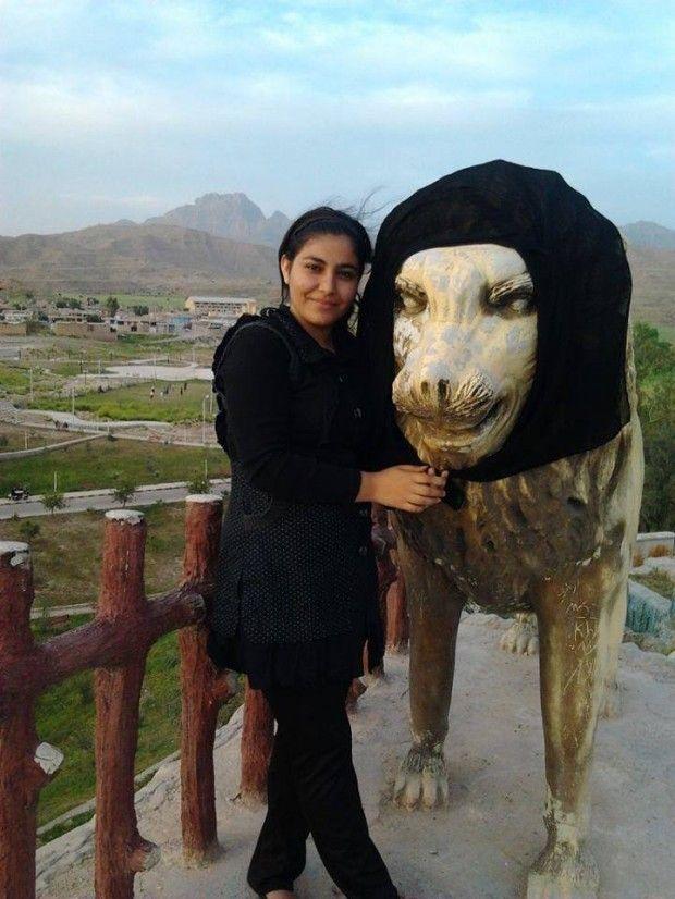 Οι Ιρανές πετούν τις μαντίλες τους και δεν φοβούνται