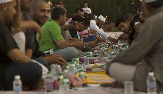 Η νηστεία παίζει σημαντικό ρόλο στο Ραμαζάνι